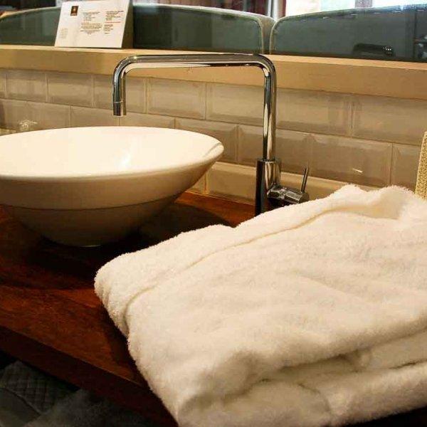 Mise en valeur d'une salle de bain photo professionnel d'un hôtel sur le Cap-Ferret Gironde Aquitaine Bordeaux
