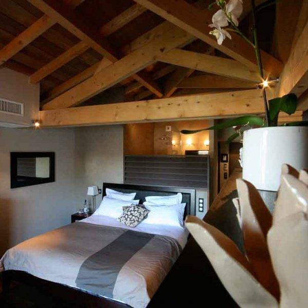 Photo d'hôtel mise en valeur d'une chambre d'un hôtel sur le bassin d'Arcachon Cap-Ferret Aquitaine