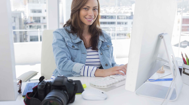 Formation photo eligible personne qui profite de c'est heures de formation pour faire une formation sur la photo et le graphisme