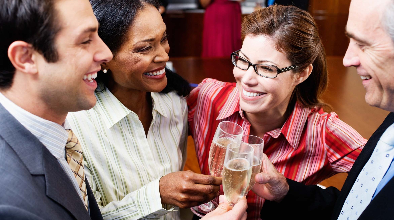 Soirée événementielle clichés d'entreprise champagne