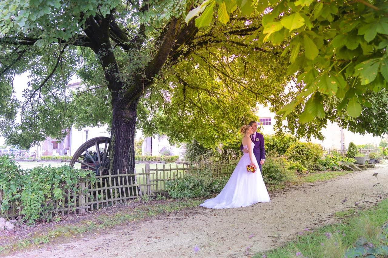Photo avec paysage naturel Ne rien louper de tous les événements prévu pendant un mariage c'est le travail du photographe professionnel Christophe Boury