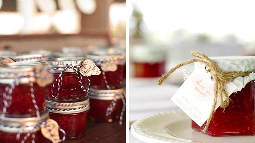 Idée déco et cadeau pour vos invités un petit pot de confiture ou de miel pour offrir ça change des dragées thème champêtre