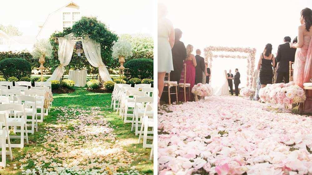 Il est de mariage des pétales de rose parsemer la scène de la cérémonie laïque