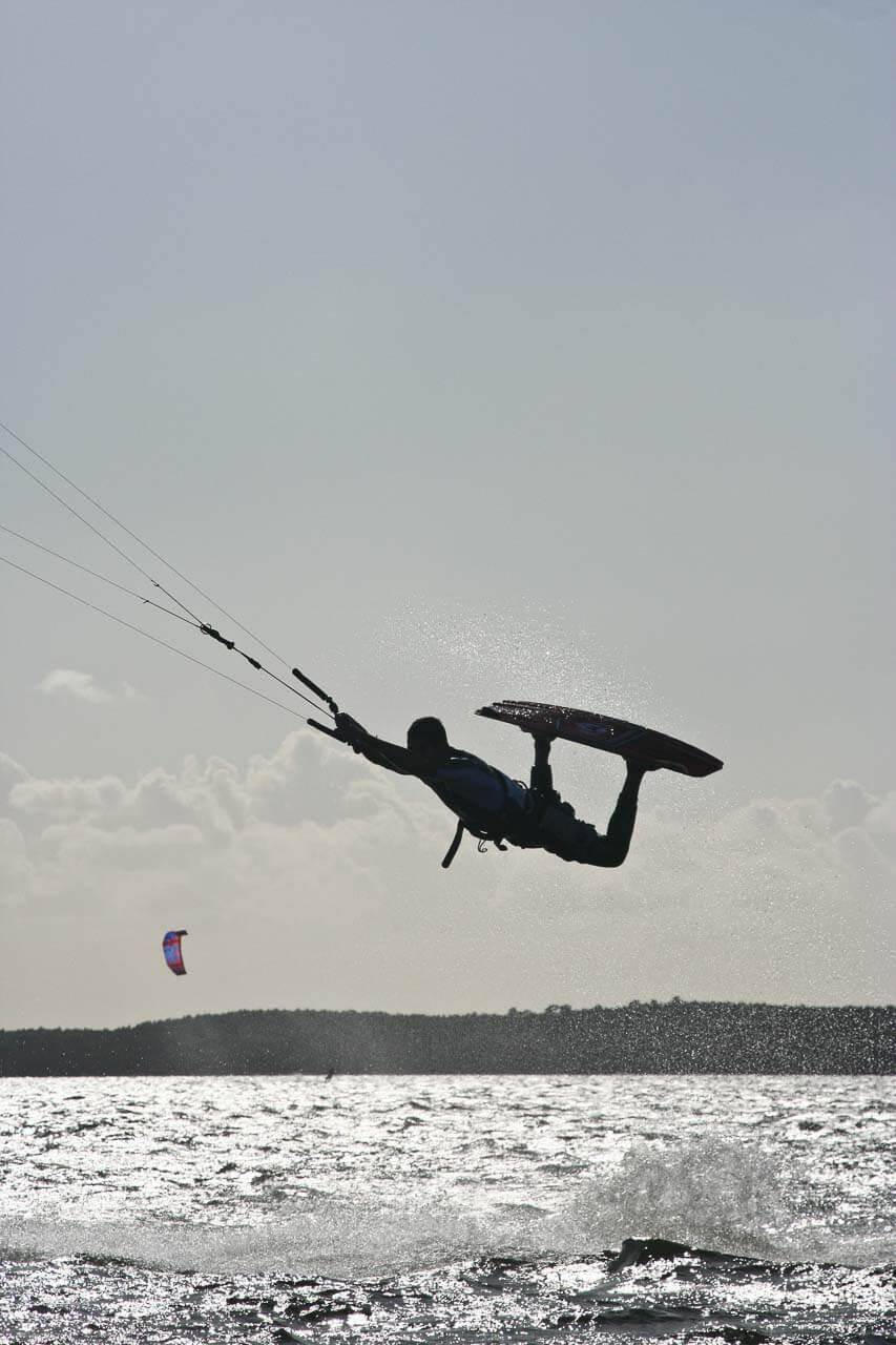 Photo de kitesurf Prise de vue d'action événement sportif kitesurf lac de hourtin lac de Lachanau