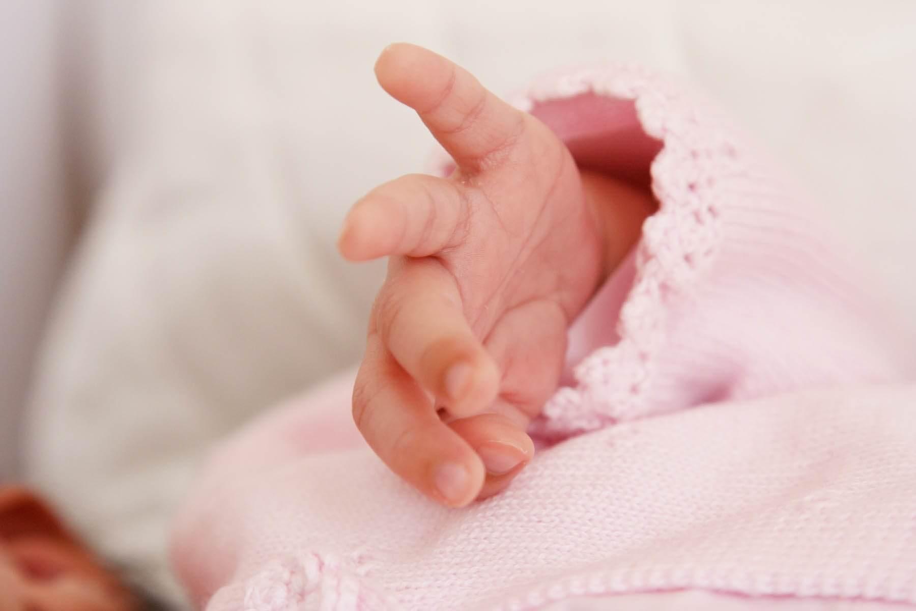 Photo bébé Photo demain de bébé photographe professionnel photo de famille portraits d'enfants et de bébé photo de naissance des clichés naturel et fidèle aux émotions de votre enfant