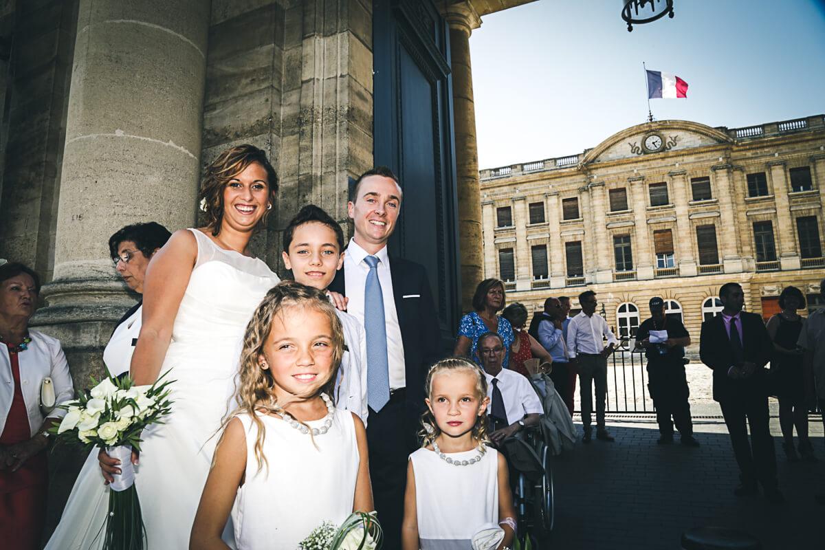 Photo de Sarah et Pierre-Etienne Mairie de Bordeaux les mariés attendent leur tour