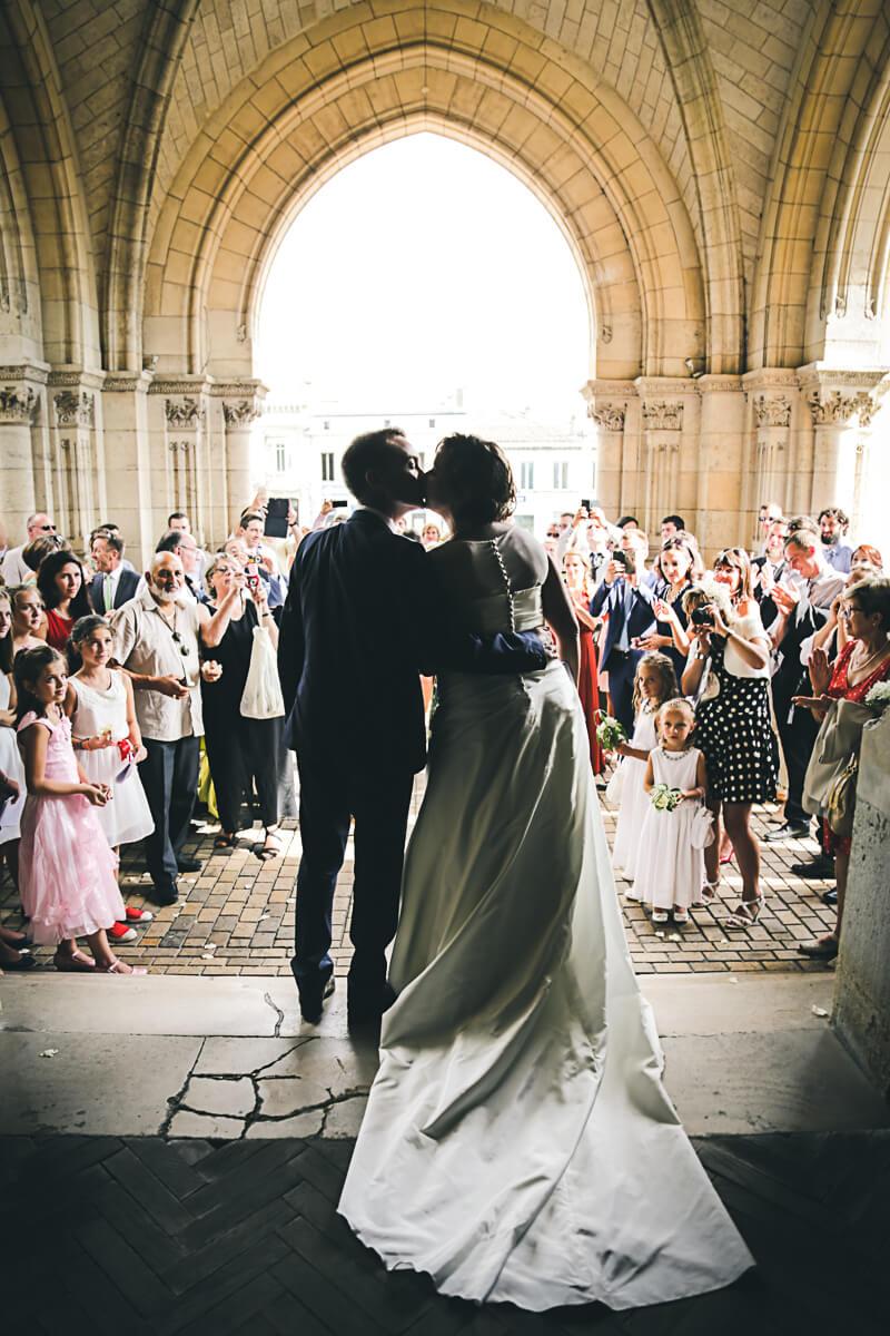 Sarah et Pierre-Etienne Photographe professionnel basé sur Bordeaux Aquitaine Gironde pour vos mariages dans un style photo reportage original Christophe Boury est spécialiste dans tous les mariages et reportage studio photo professionnel