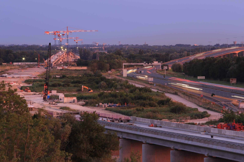 Entreprise événementiel, prise de vue en extérieur des travaux alors pour le train à grande vitesse entre Bordeaux et Blaye.