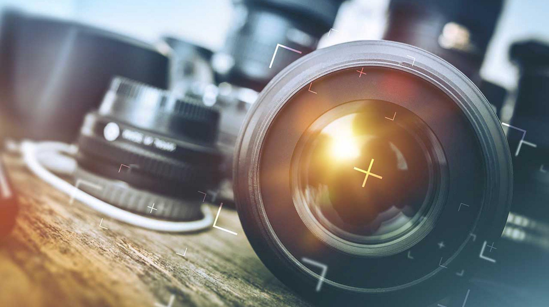 Location Camera plein format sur Bordeaux - Photographe de mariage et d'entreprise à Bordeaux en Gironde et ailleurs... Un esprit tourné vers vous. Christophe B. tél. 06 89 577 717 // www.chris-photographe33.fr