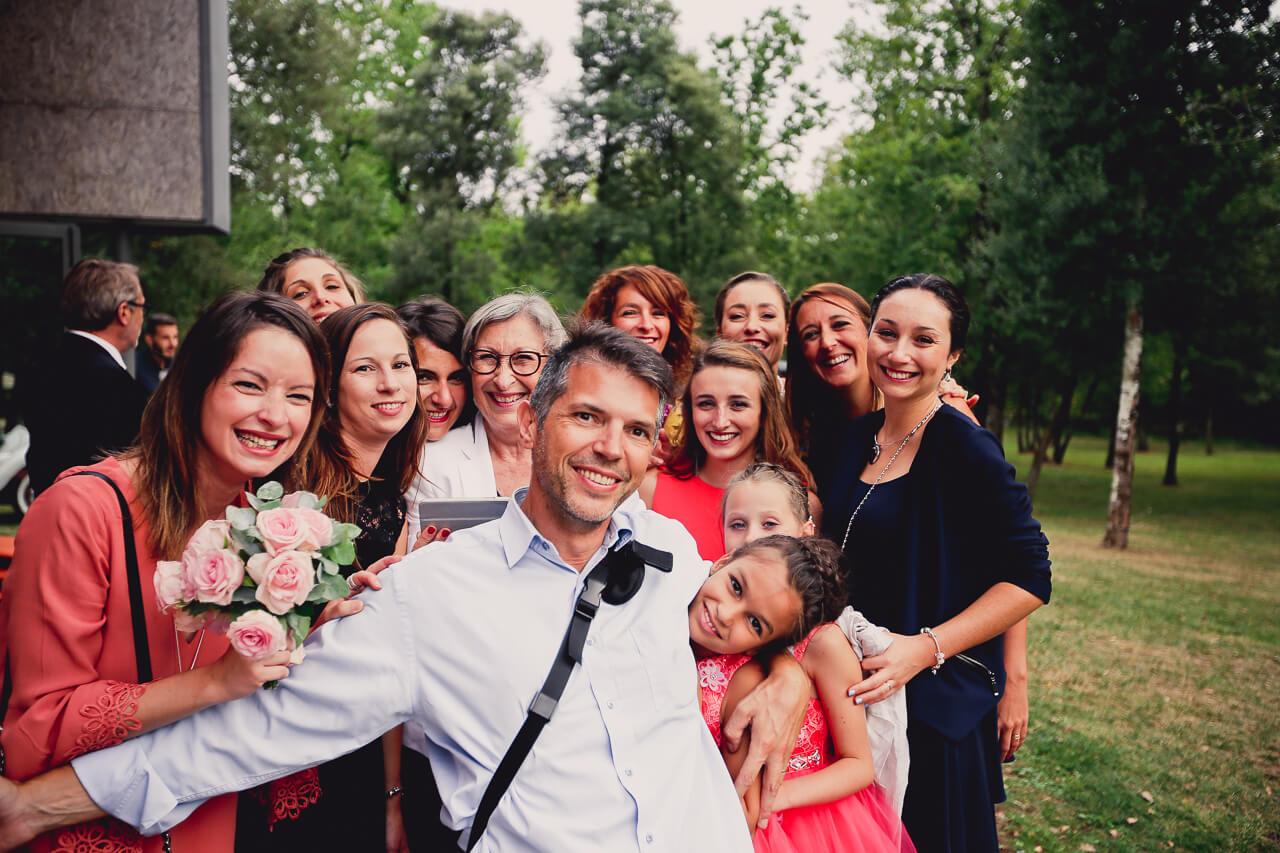 La seul photo de moi avec les  invité d'un mariage, et aussi avis des clients qui dit que je suis sympathique.