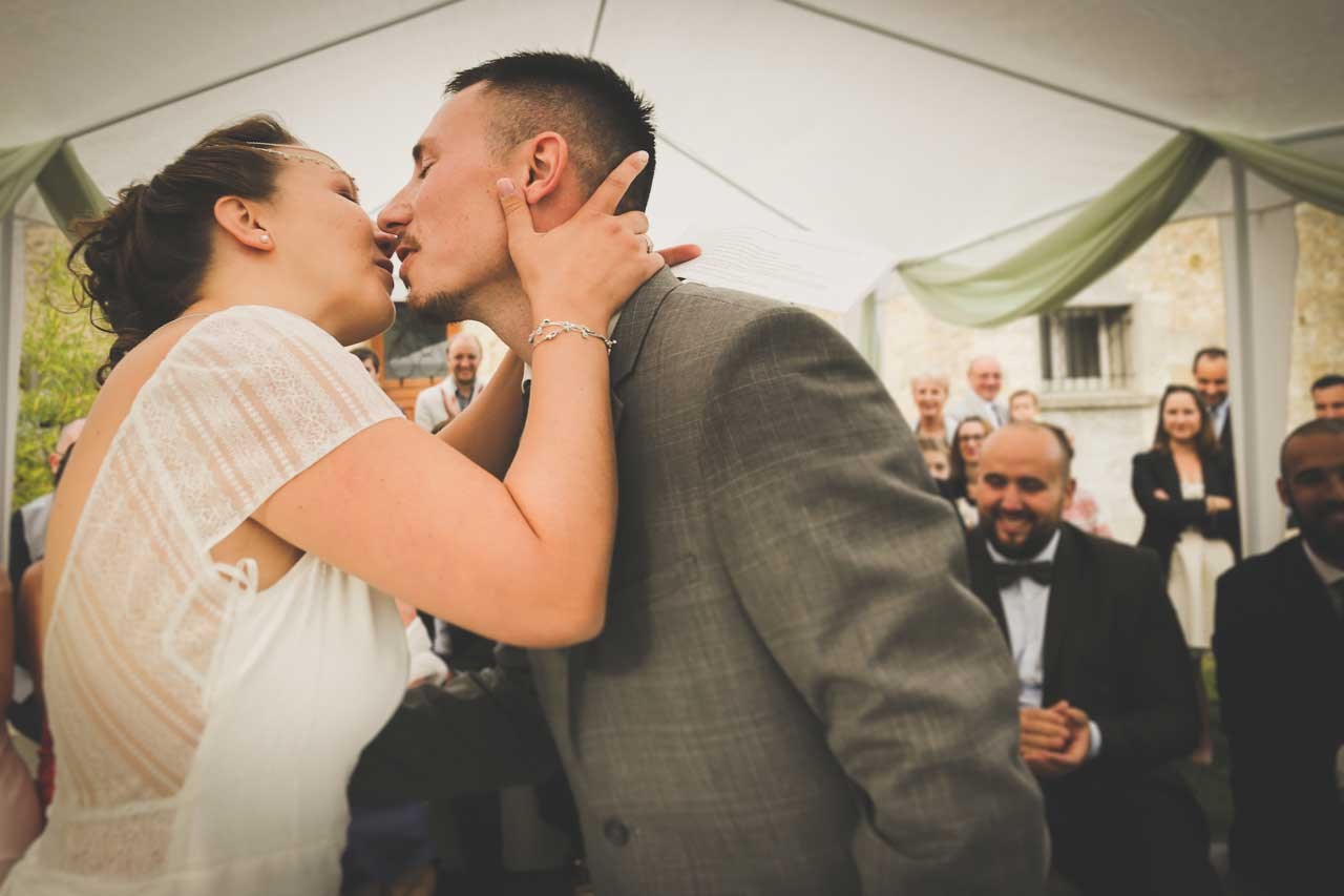 amour cérémonie mariage champêtre joie dans un mariage Photographe de mariage Bordeaux gironde CB Tyffany & Samuel