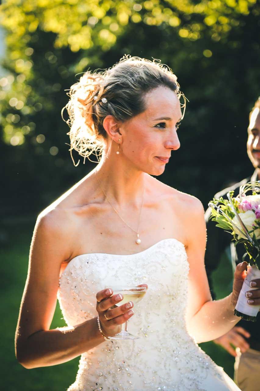 Photographe de mariage pessac lacanau CB contre jour au cocktail