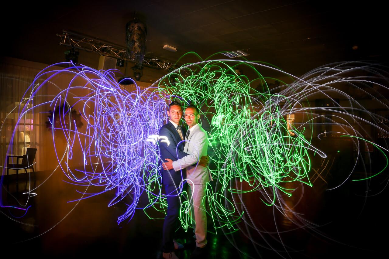 mariage gay à Bordeaux au H34 en lightpainting